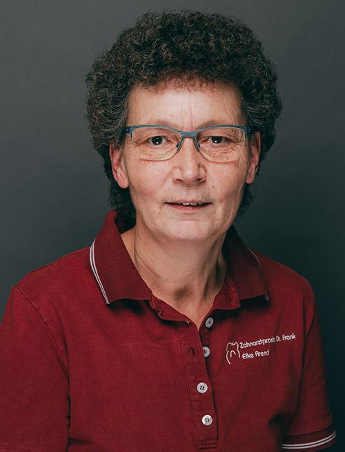 Mitarbeiterin Zahnarztpraxis Dr. Frank Henning in Haldensleben.